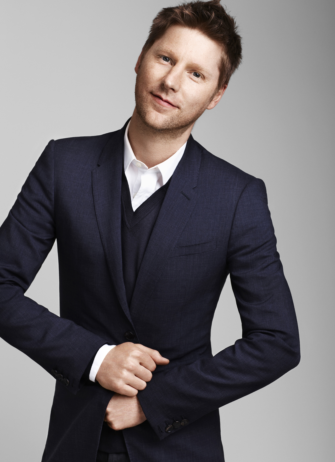 burberry chief christopher bailey sells 5 million of