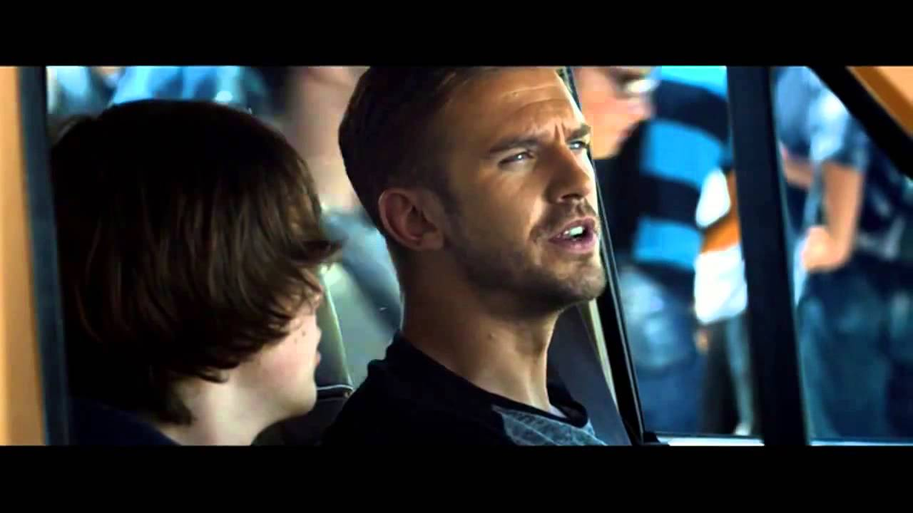 Watch International Trailer For Thriller 'The Guest' | Film Trailer