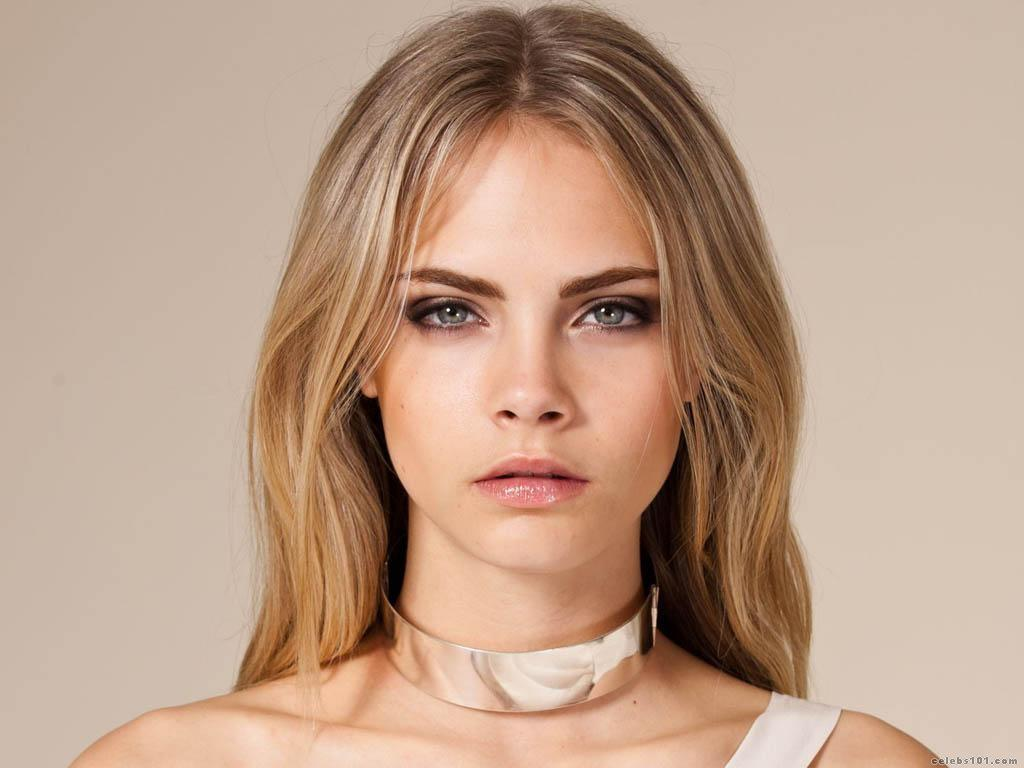 Cara Delevingne Too Bloated For Victorias Secret Fashion Show.