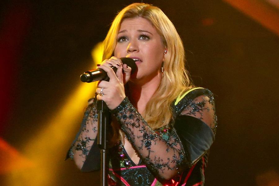 Kelly Clarkson Unveils \'Piece By Piece\' Artwork And Tracklist ...