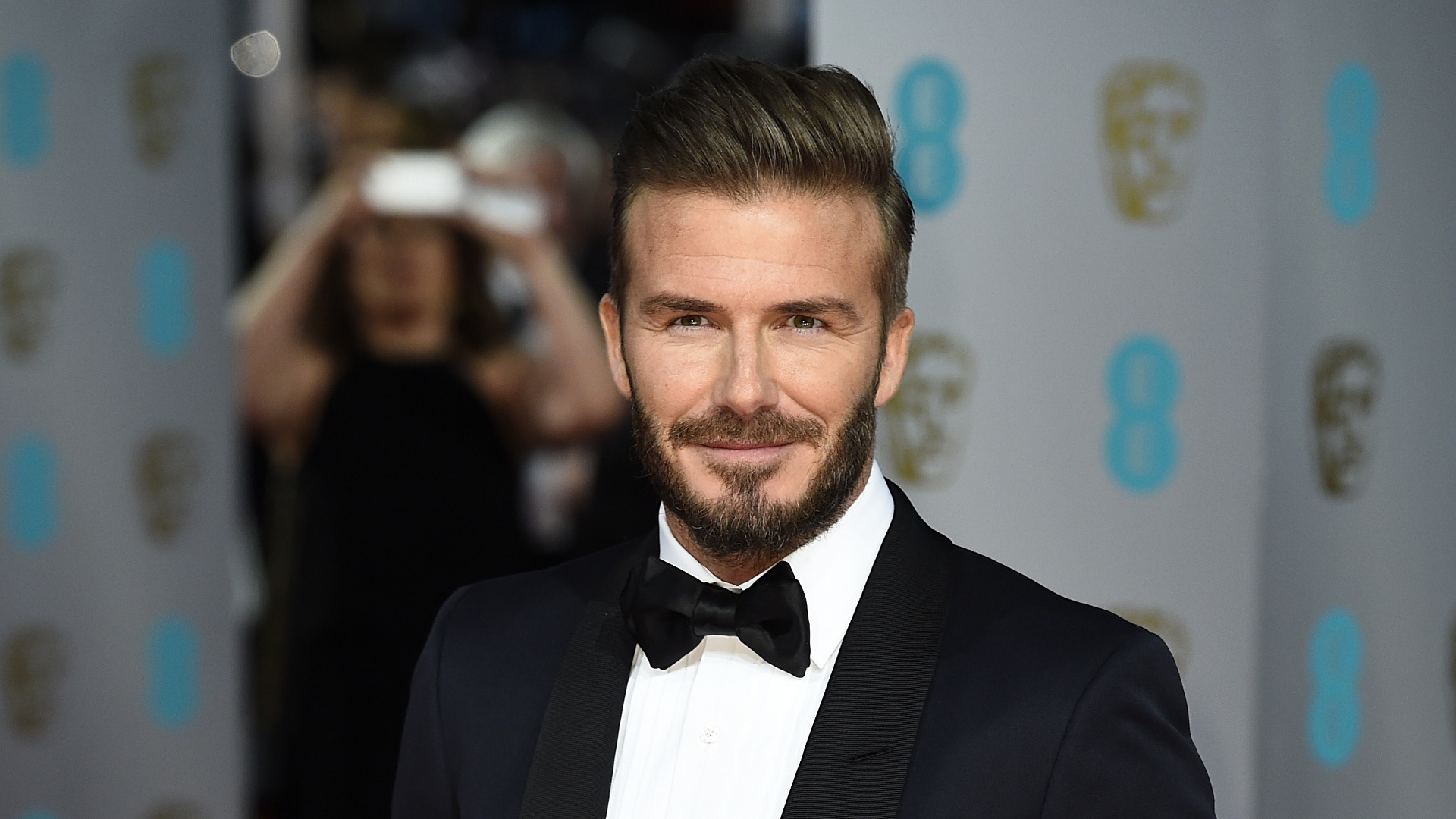 David beckham shines in tom ford at 2015 bafta awards - David beckham ...