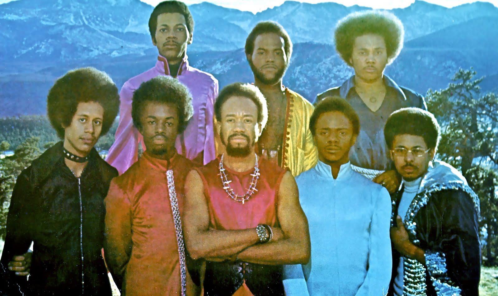 earth wind and fire Kalimba, the country's top tribute to earth wind and fire out of the thousands of other bands that try and play the music of earth wind and fire, kalimba is the show that gets it right.
