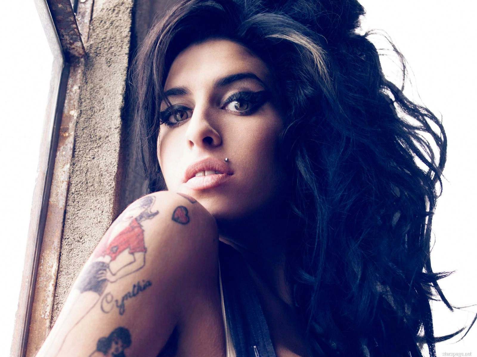 Amy-Winehouse-Wallpapers-