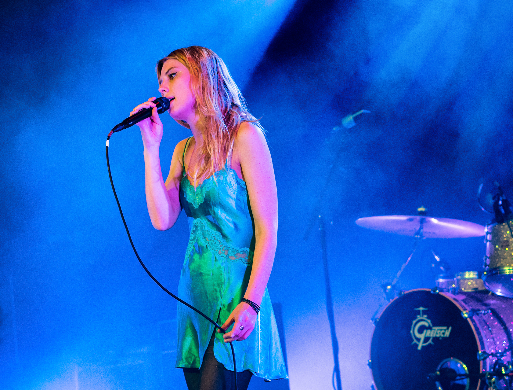 Wolf_Alice_live_at_The_Junction_2015