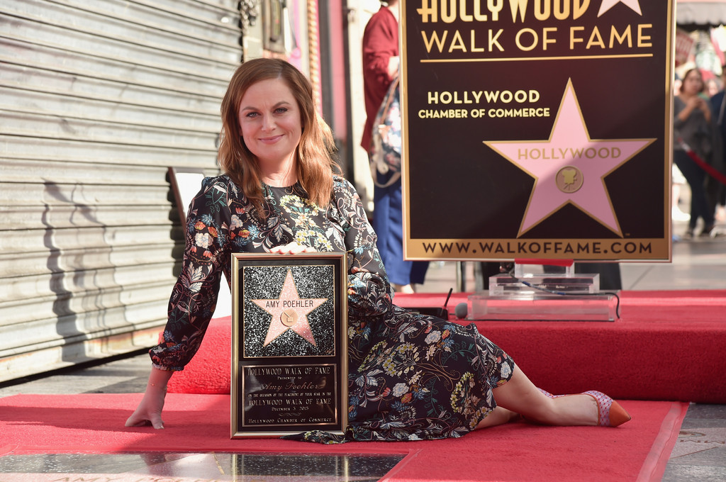 Amy+Poehler+Honored+Star+Hollywood+Walk+Fame+N_xEKy0etR7x