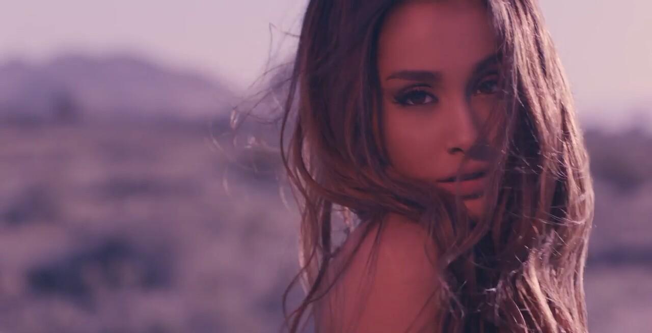 Ariana Grande Into You