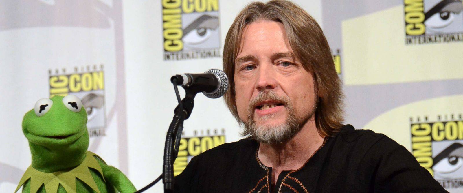 Steve Whitmire Takes A Leap, Quits Voicing Kermit The Frog ...