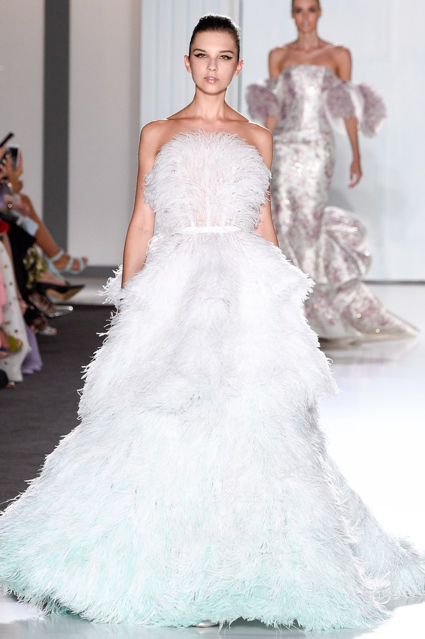 The best wedding dresses from paris haute couture fashion for Haute couture gowns