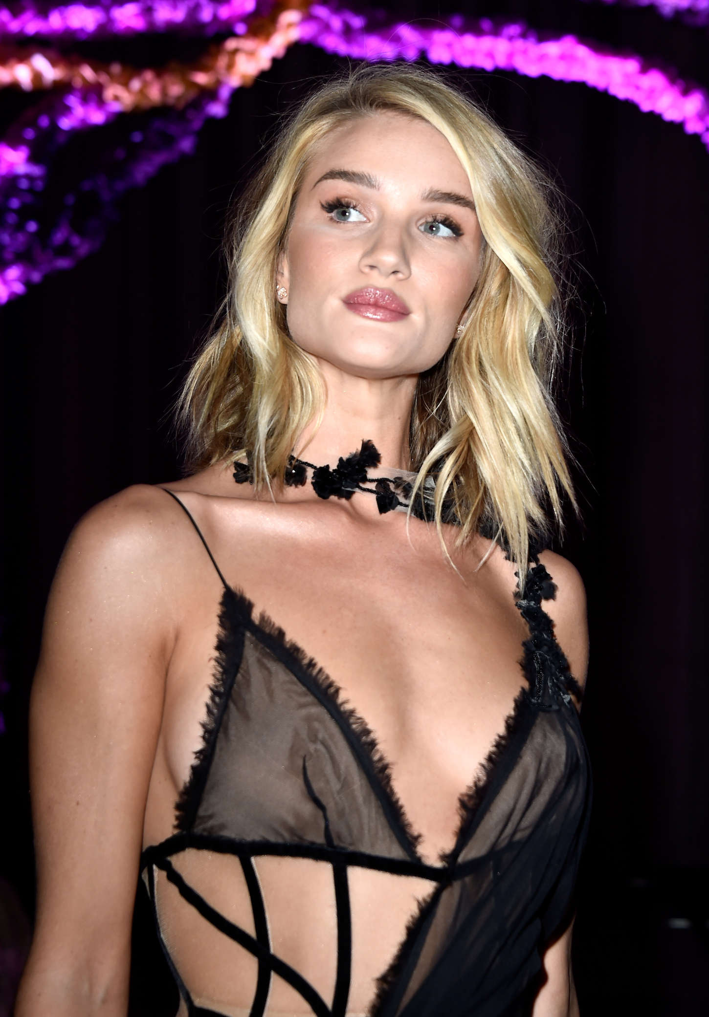 How To Achieve The Flawless Rosie Huntington-Whiteley Look ...