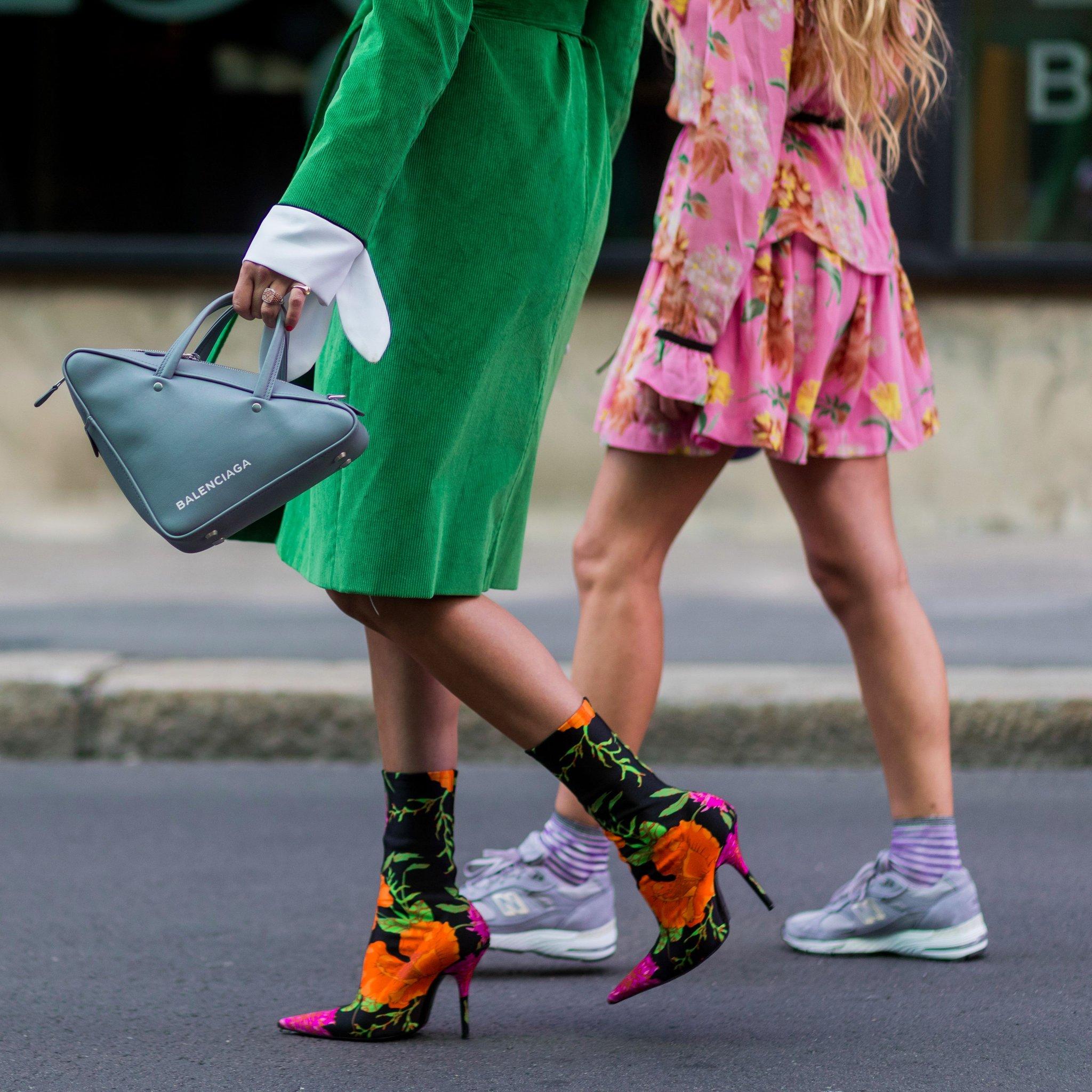 Balenciaga-Triangle-Bag-Trend.jpg