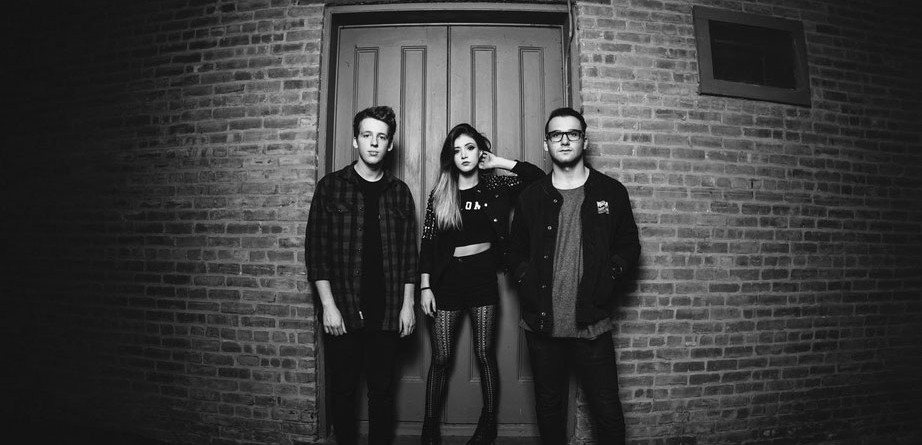 Klip: Against The Current – Strangers Again