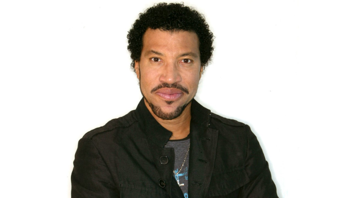 2011-topic-pages-music-lionel-richie-2.jpg