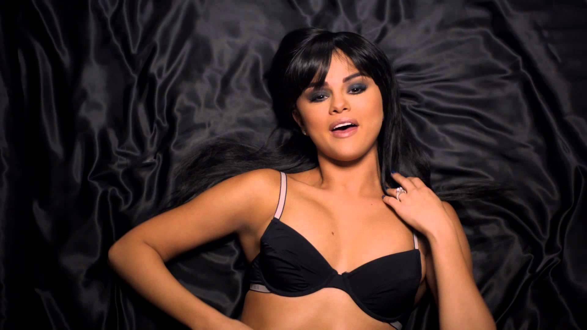 Selena Gomez - Hands To Myself  Music Video -6726