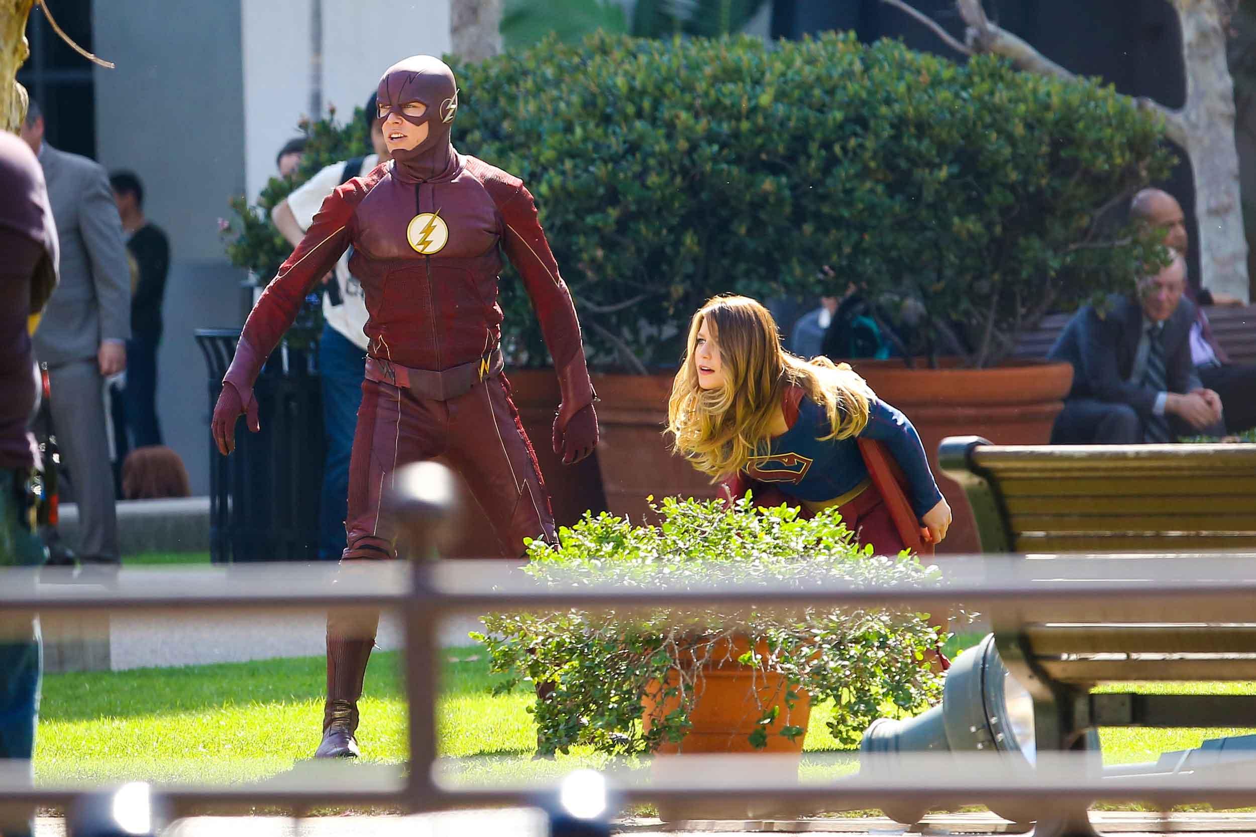 Supergirl-Flash-Pic-3