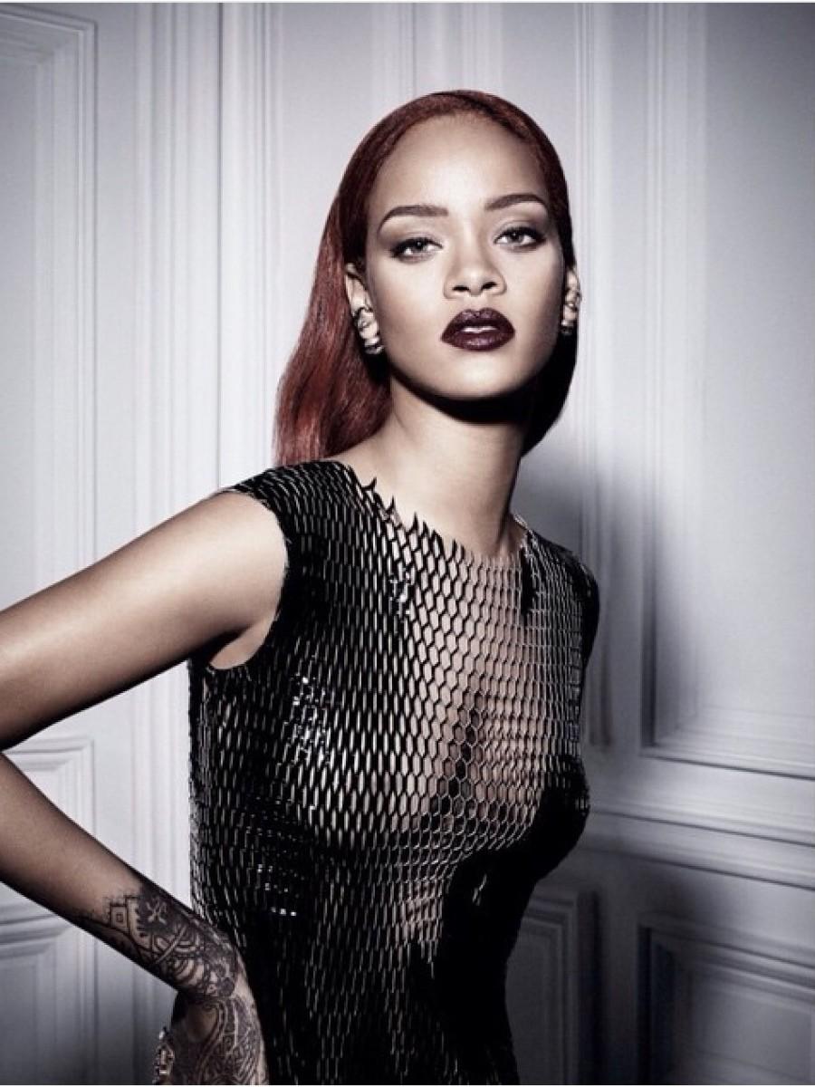 1-Rihanna-by-Craig-McDean-for-Dior-Fall-2015-900x1200