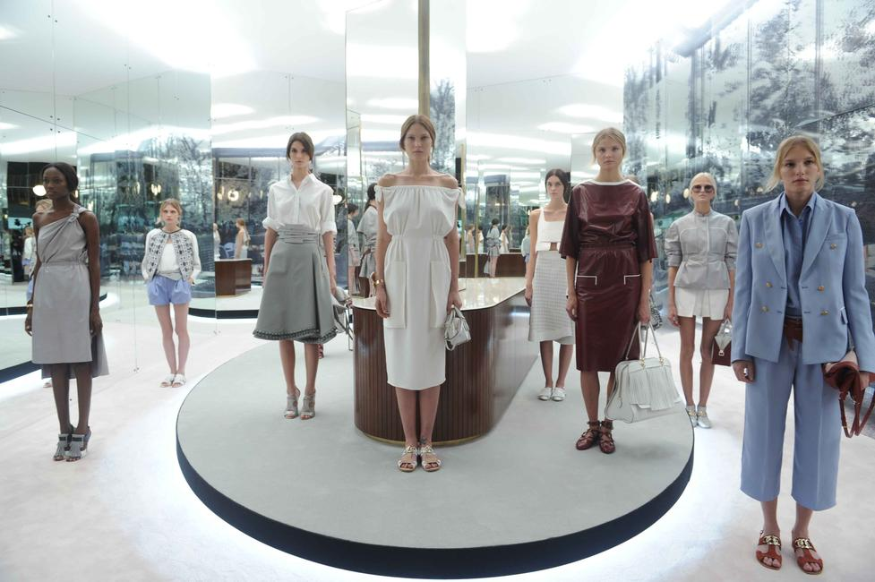 tod's-first-ever-runway-show-took-place-at-milan-fashion-week-ss-'14_gallery_large