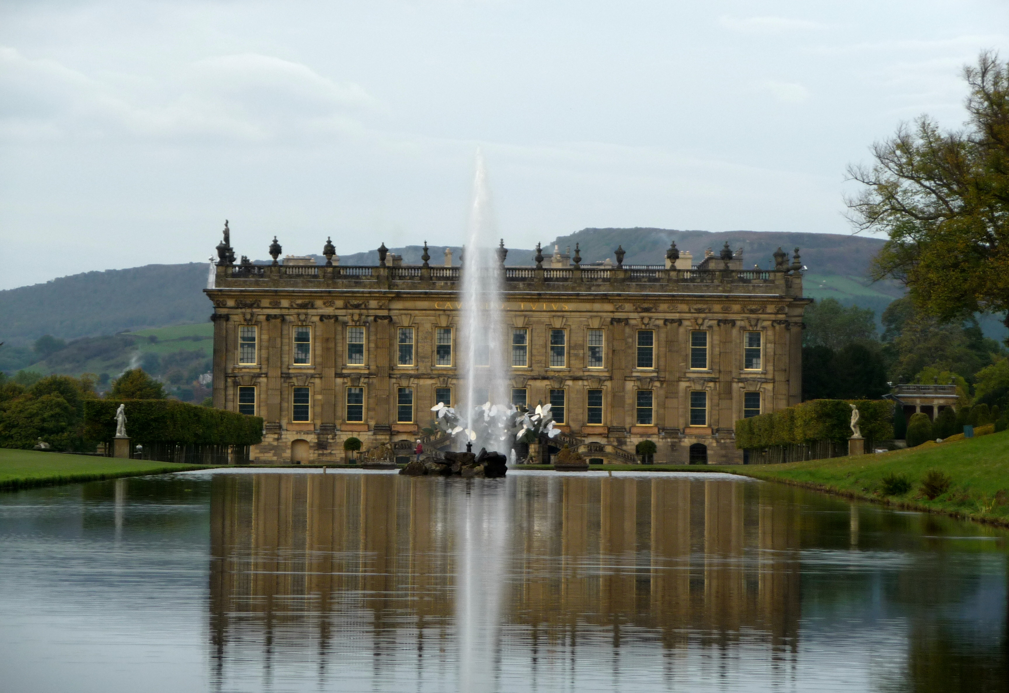 chatsworth-canal-and-fountain-10-10
