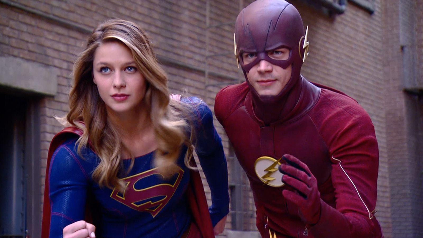 supergirl-vs-the-flash-tv